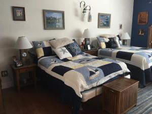 13 master bedroom 1