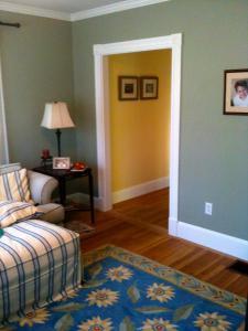 8 living room 1